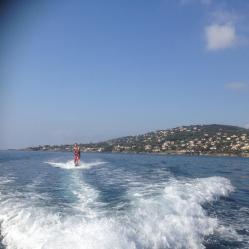 Le wake-board ou le ski nautique dans la Baie du Boucharel